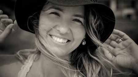 Sobre Deise Lennert fotografia  Lifestyle,  especializada em fotografia de Família, Gestante, Recém Nascido, Smash the cake, Aniversarios, 15 anos e Casamento.Fotografa da família em joinville e região de Santa Catarina