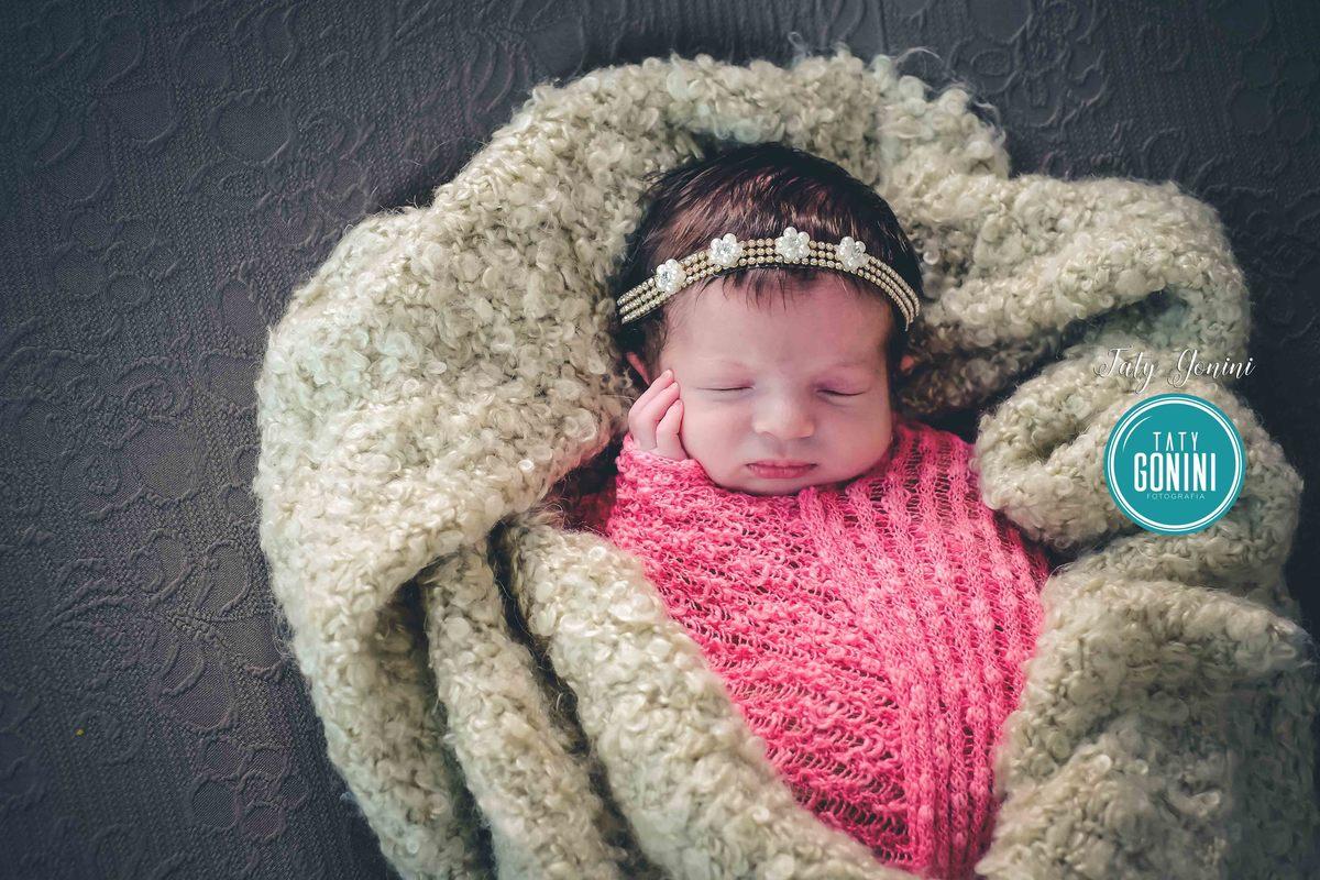 Imagem capa - Sabe como faz foto Newborn ? Meu ingrediente principal? Apenas o Amor  por Taty Gonini fotografia
