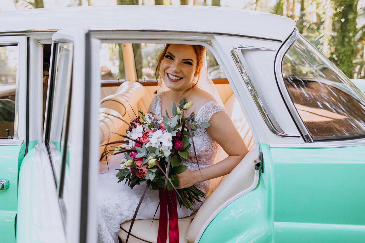 Imagem capa - Dicas para escolher o carro que vai te levar ao altar por Estilo Vintage Decoração