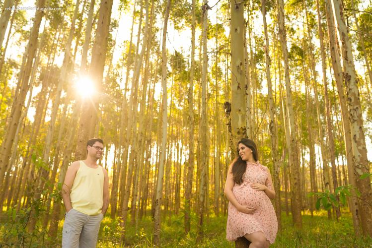 Foto de Pollyana e Flávio esperando o Miguel