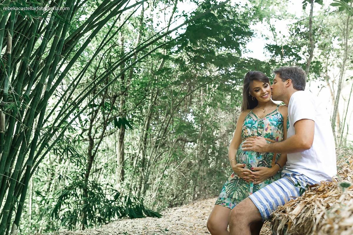 Foto de Mariana e Daniel esperando o Bruno