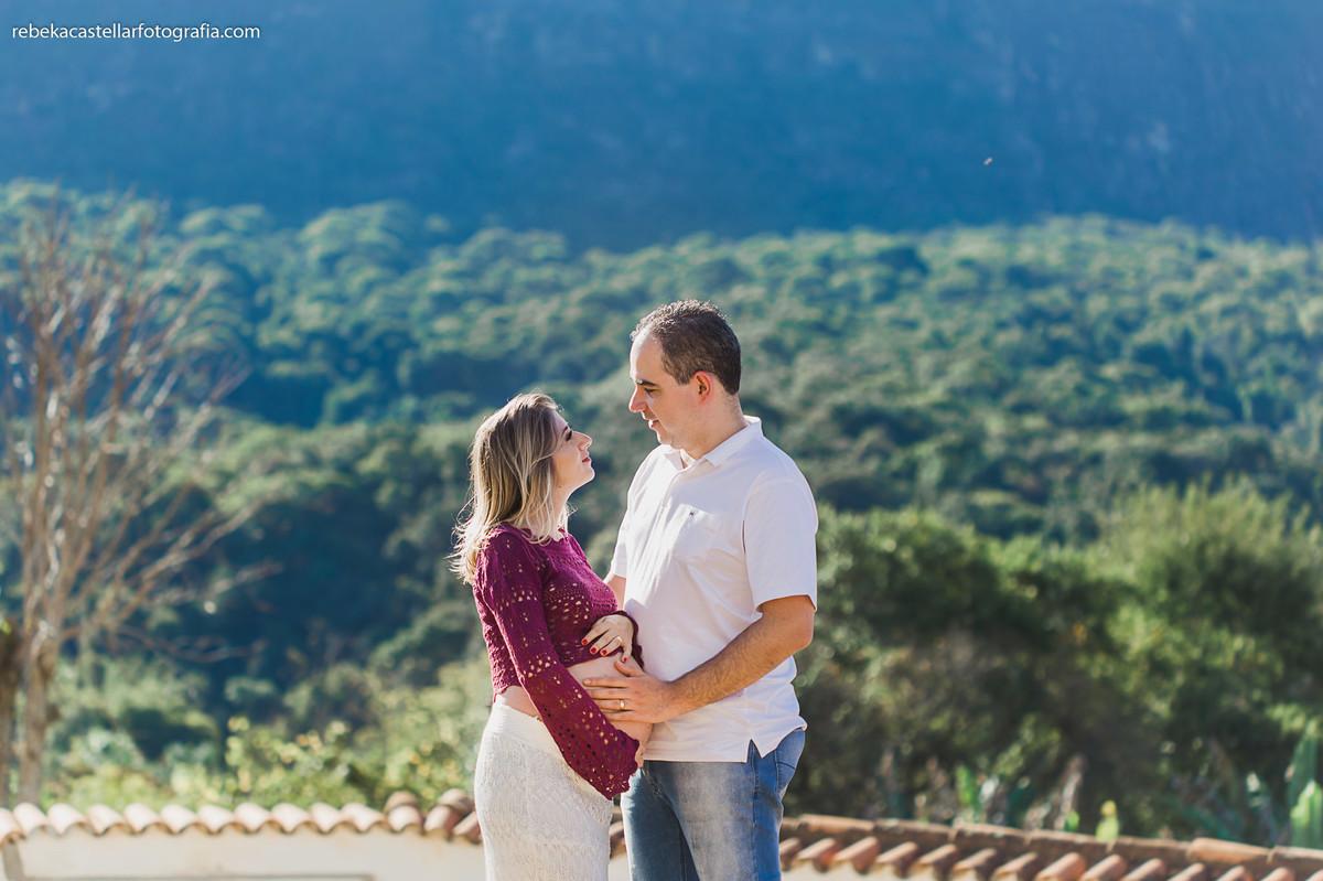 Foto de Isabella e André esperando o Davi