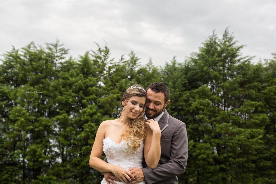 Imagem capa - Evite os erros que todas as noivas cometem ao fazer as fotos por Fotógrafo John Edgard