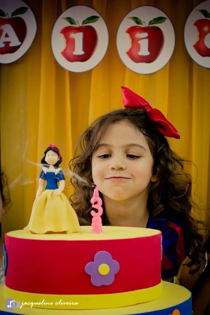Alice fez 3 aninhos