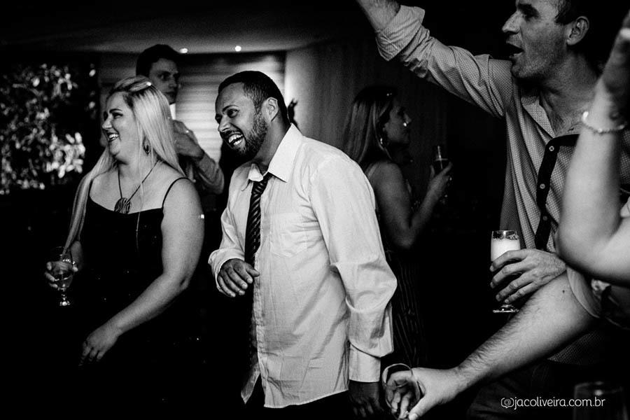 fotografia de festa de formatura porto alegre amigos na pista