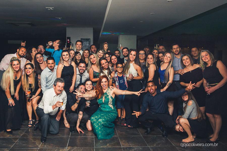 foto coletiva dos convidados na formatura da adriana fotografo de formatura porto alegre