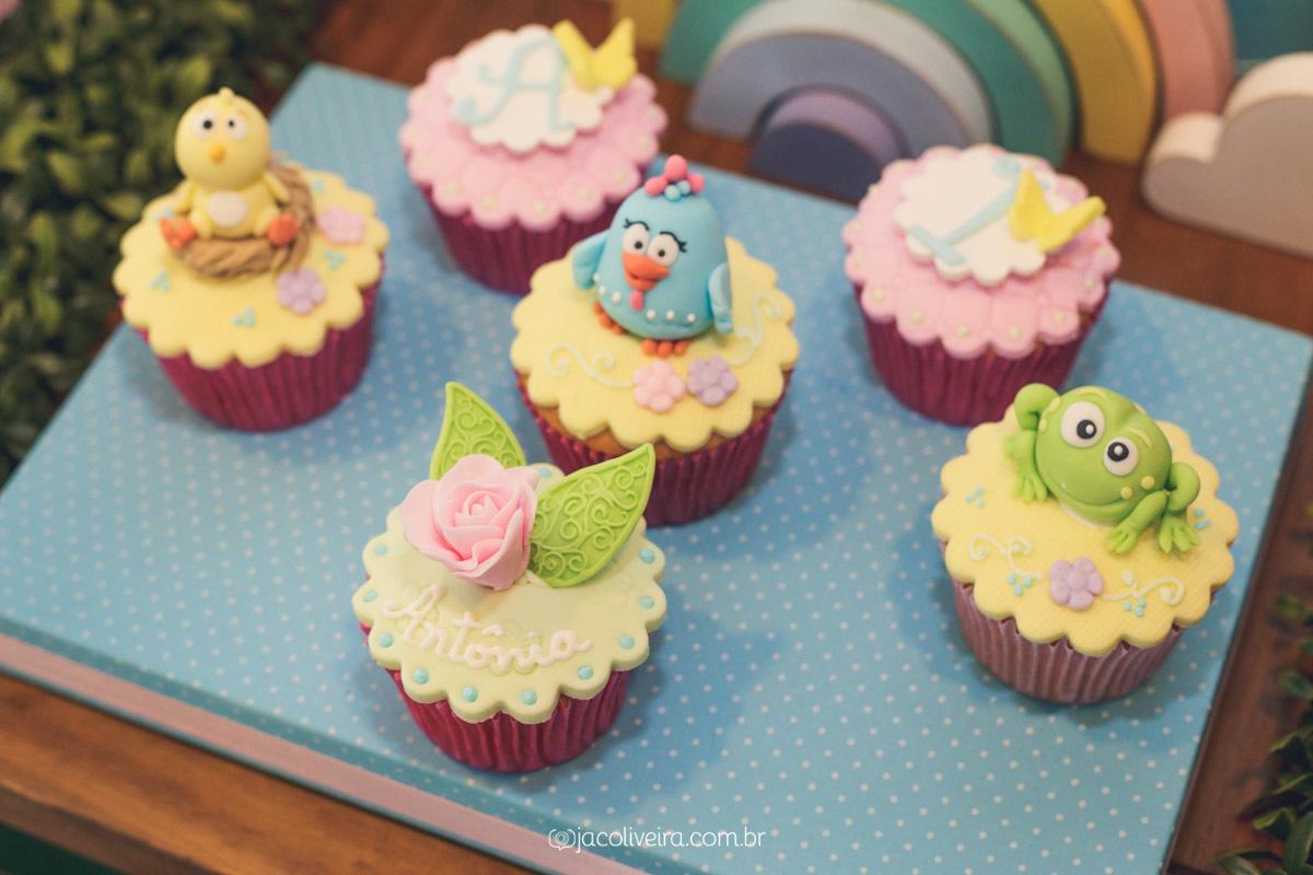 cupcake decorado pasta americana galinha pintadinha porto alegre