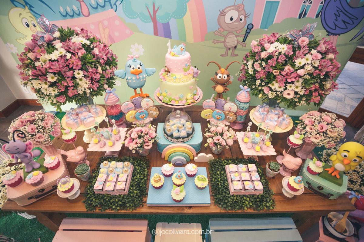 mesa bolo galinha pintadinha para meninas aniversário