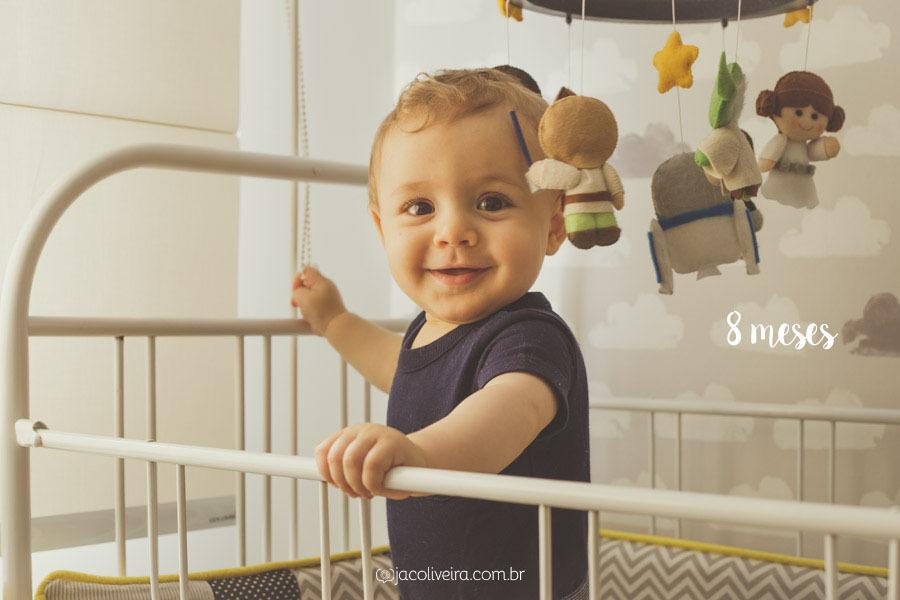 ensaio acompanhamento mensal porto alegre bebê no berço de pé