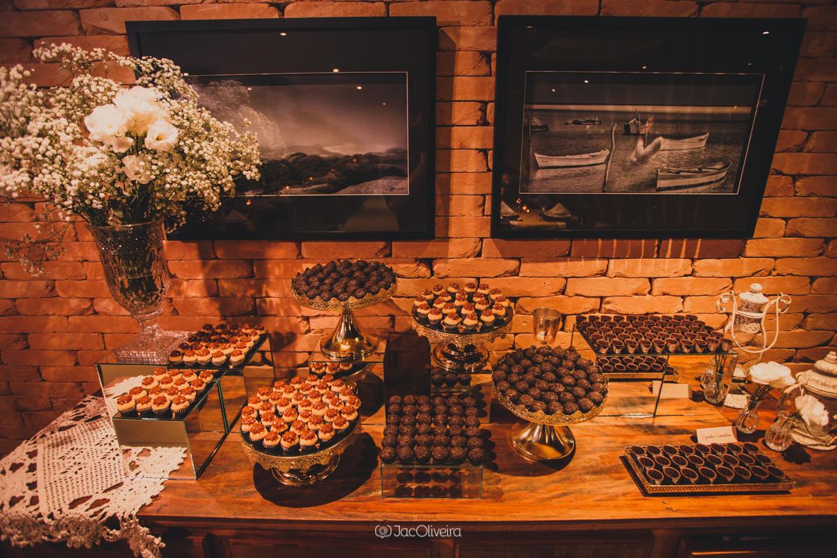 decoração mesa doces formatura coco bambu