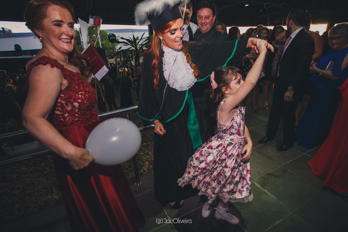 fotógrafo formatura colação de grau porto alegre; família fotos espontaneas