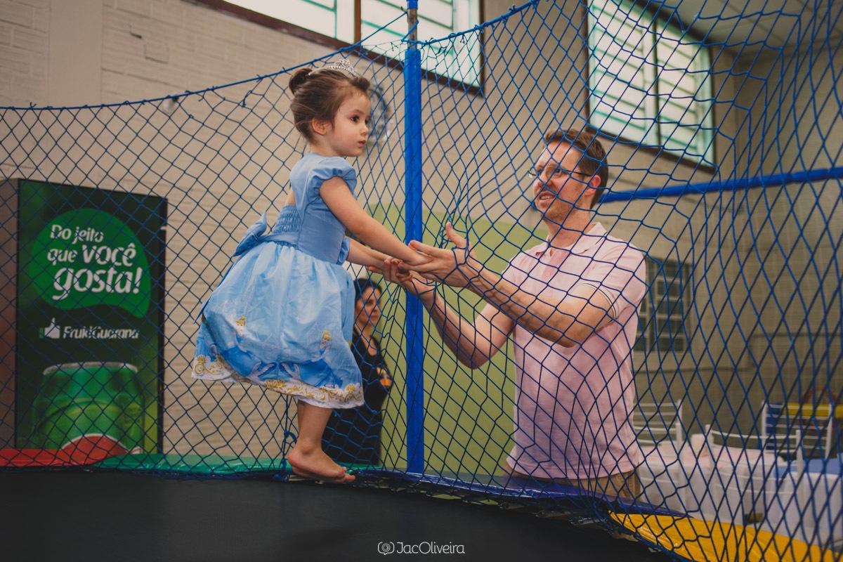 fotógrafo em porto alegre aniversário infantil eventos isabela pulando