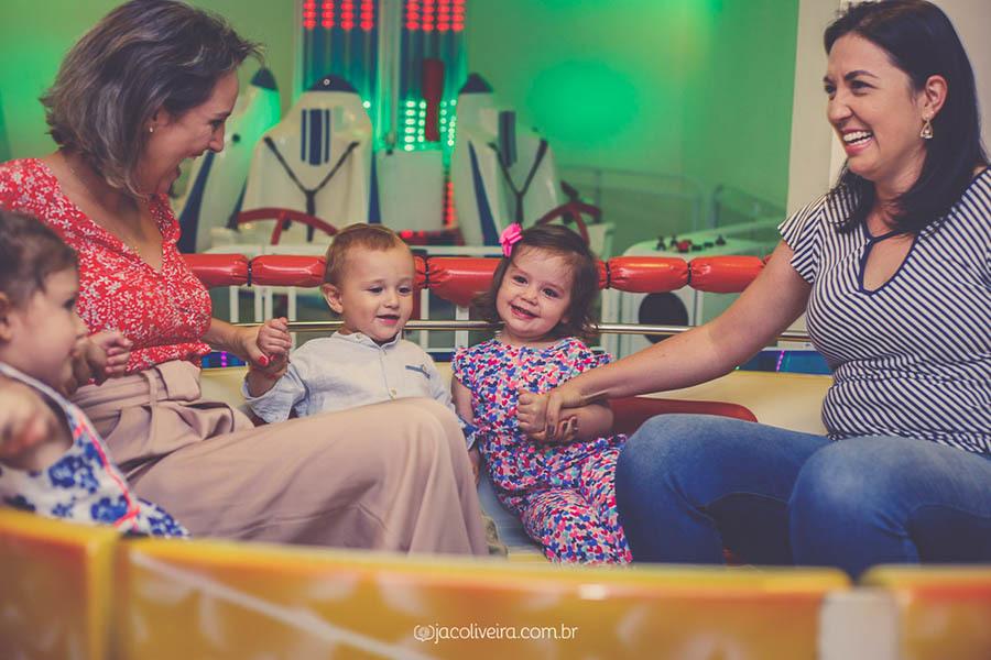 Imagem capa - Como contrato um fotógrafo para aniversário infantil? por Jac Oliveira