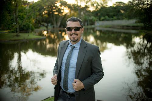 Contate W.Junior - fotógrafo de casamentos e ensaios em Joinville - SC