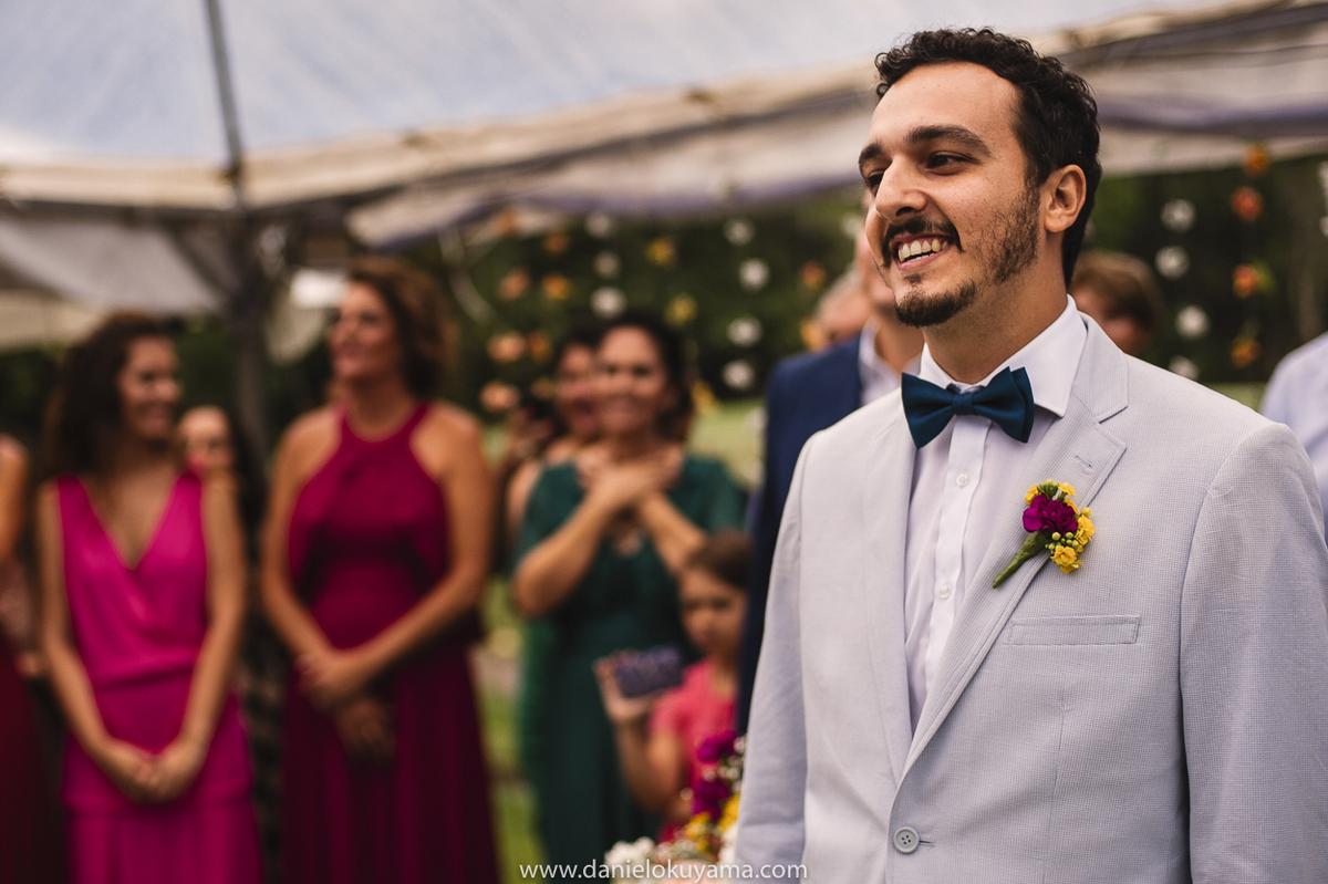 noivo aguardando a noiva no casamento no Guarujá Golf Clube, em Guarujá São Paulo