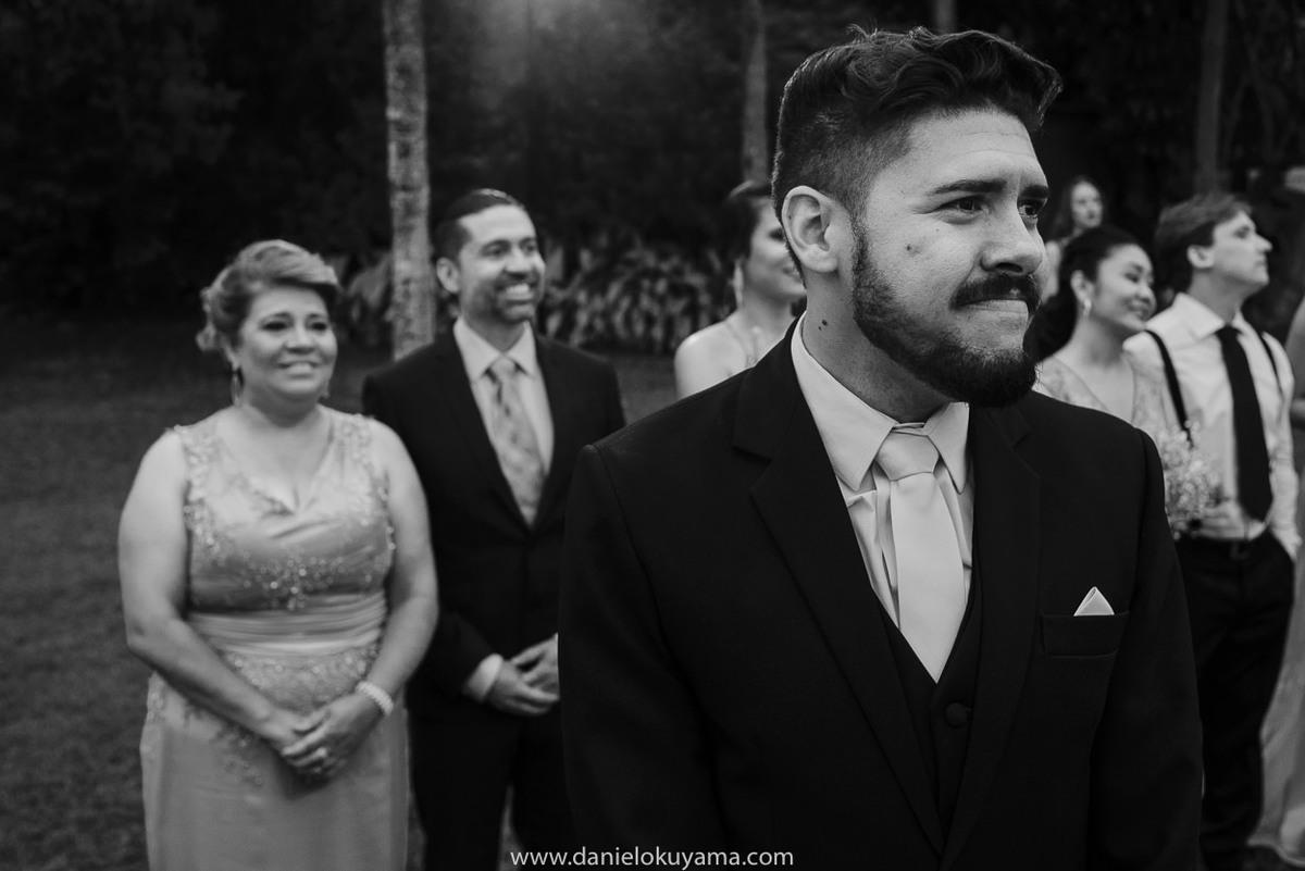 Fotografo de casamento em Santos casamento no Guarujá casamento na praia noivo se emociona ao ver a noiva