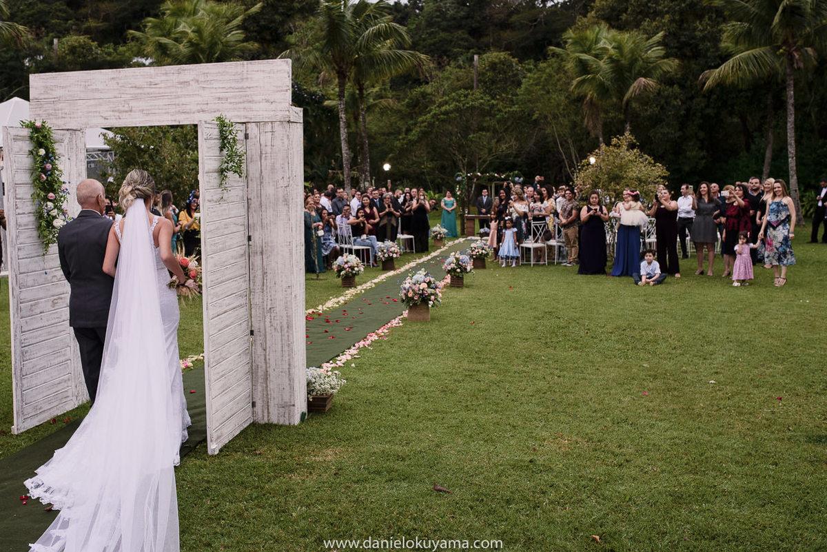 Fotografo de casamento em Santos casamento no Guarujá casamento na praia entrada da noiva