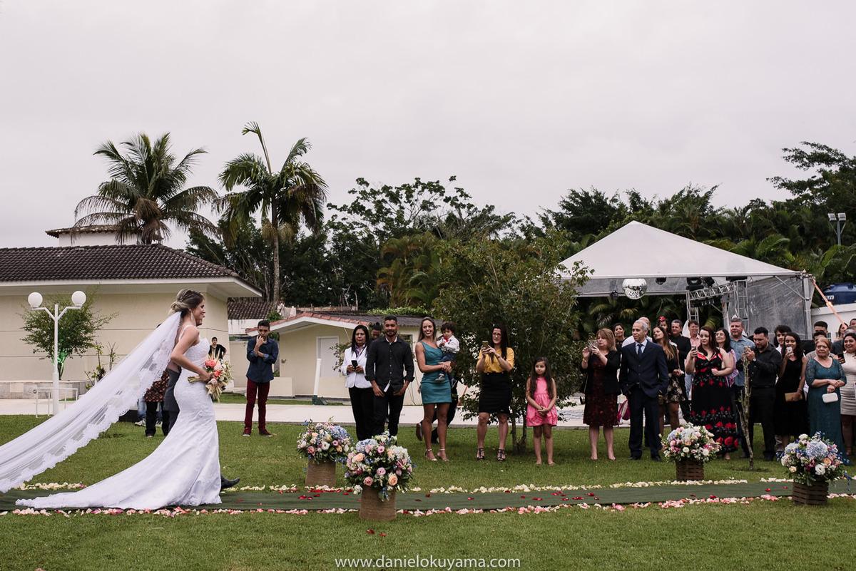 Fotografo de casamento em Santos casamento no Guarujá casamento na praia entrada da noiva na casa de praia