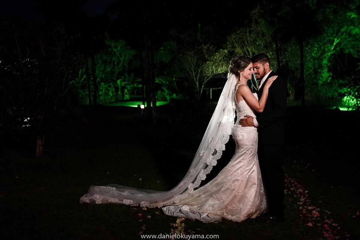 Fotografo de casamento em Santos casamento no Guarujá casamento na praia noivos na festa de casamento
