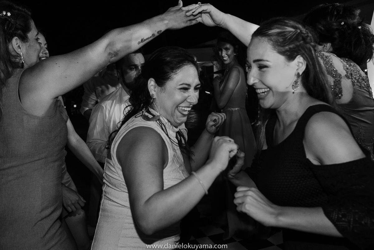 Fotografo de casamento em Santos casamento no Guarujá casamento na praia festa de casamento divertida