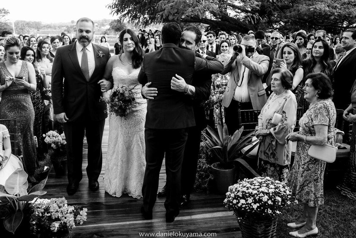 fotógrafo em Santos, fotografia de casamento são paulo, fotógrafo de casamento santos, casamento no campo, casamento de dia, noiva emocionada, vestido de noiva