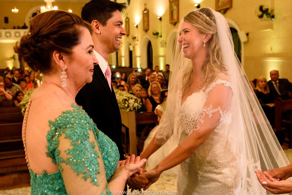 fotógrafo de casamento em Santos, Fotógrafo de casamento em SP, casamento clássico, dia da noiva cláudio piovesana, casamento no vasco, casamento na capela são josé, noiva clássica, camila euzébio succes, casamento em santos, dicas de casamento