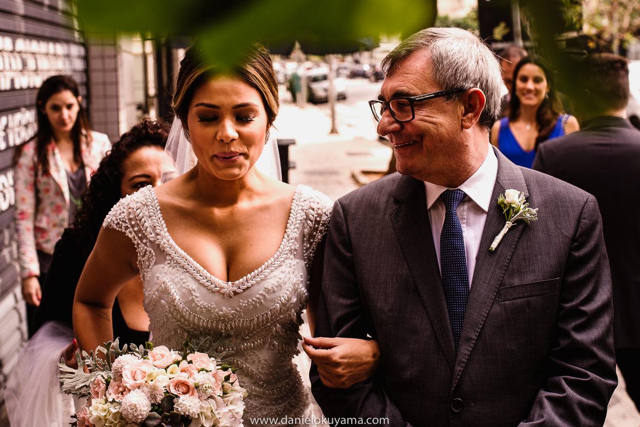 Imagem capa - Antes da porta se abrir... por Daniel Okuyama Fotógrafo - Fotografia de Casamento e Ensaios - Santos - São Paulo - SP