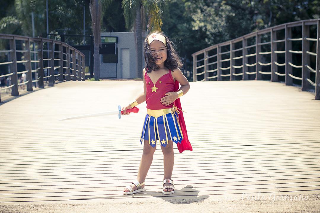 Ensaio Infantil - Ensaio Pré Aniversário - Ensaio no Parque - Ensaio Mulher Maravilha
