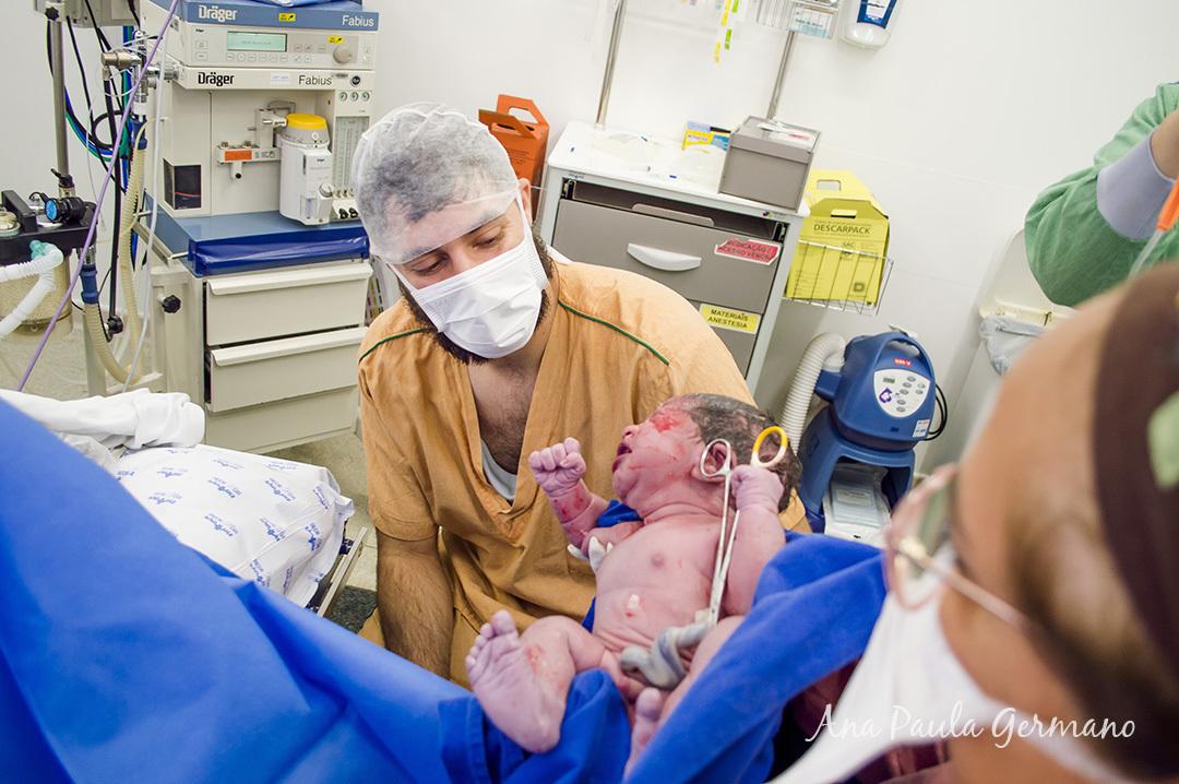 Fotografia de parto - Hospital e Maternidade São Luiz Itaim - Zona Sul de São Paulo 27