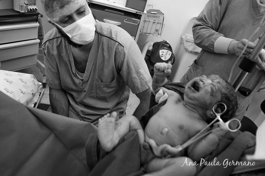 Fotografia de parto - Hospital e Maternidade São Luiz Itaim - Zona Sul de São Paulo 28