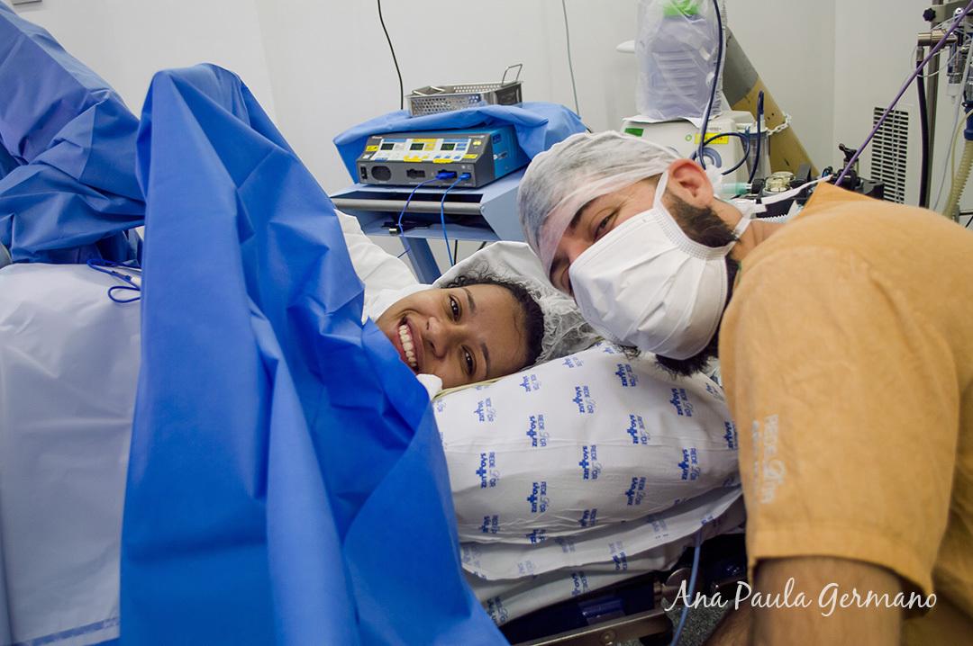 Fotografia de parto - Hospital e Maternidade São Luiz Itaim - Zona Sul de São Paulo 22