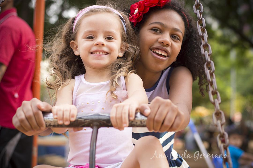Imagem capa - Dicas para fazer uma Criança Sorrir na hora das Fotos por Essenziale Design Fotografia