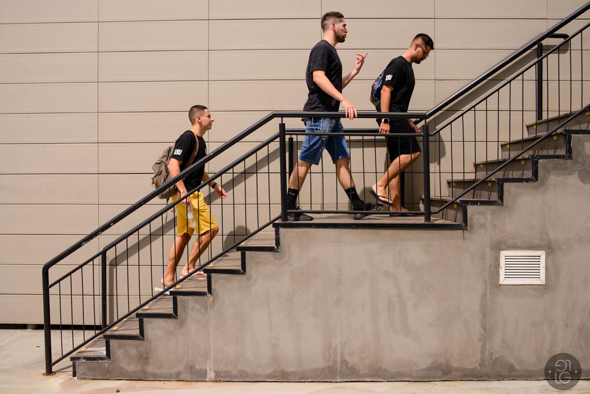 formandos-subindo-escada