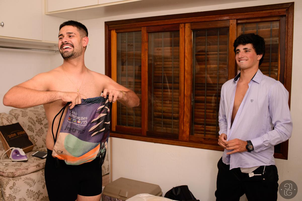formandos-trocando-roupa
