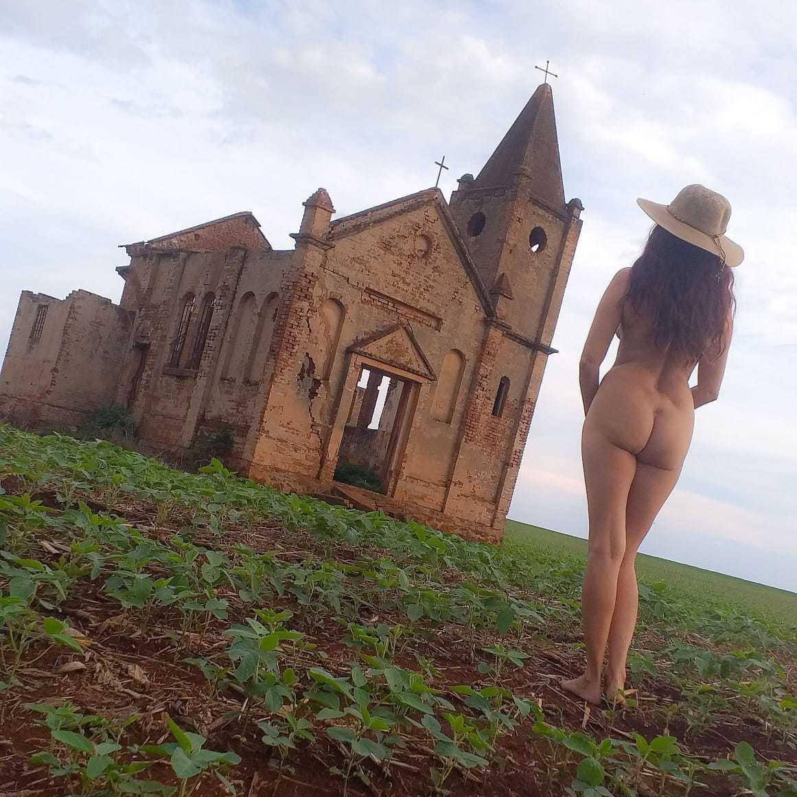 Imagem capa - Cristiane Sereia Naturista por Essência Nua