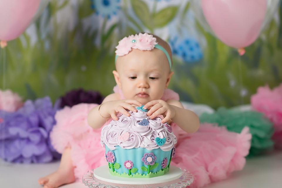 Imagem capa - O bolo ideal para o ensaio de cake smash por LianaLemos