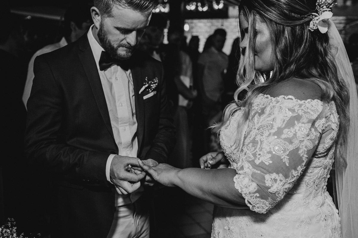 Imagem capa - Fiquei noiva, e agora!!! por Claudio Cerri Lucio de Mello