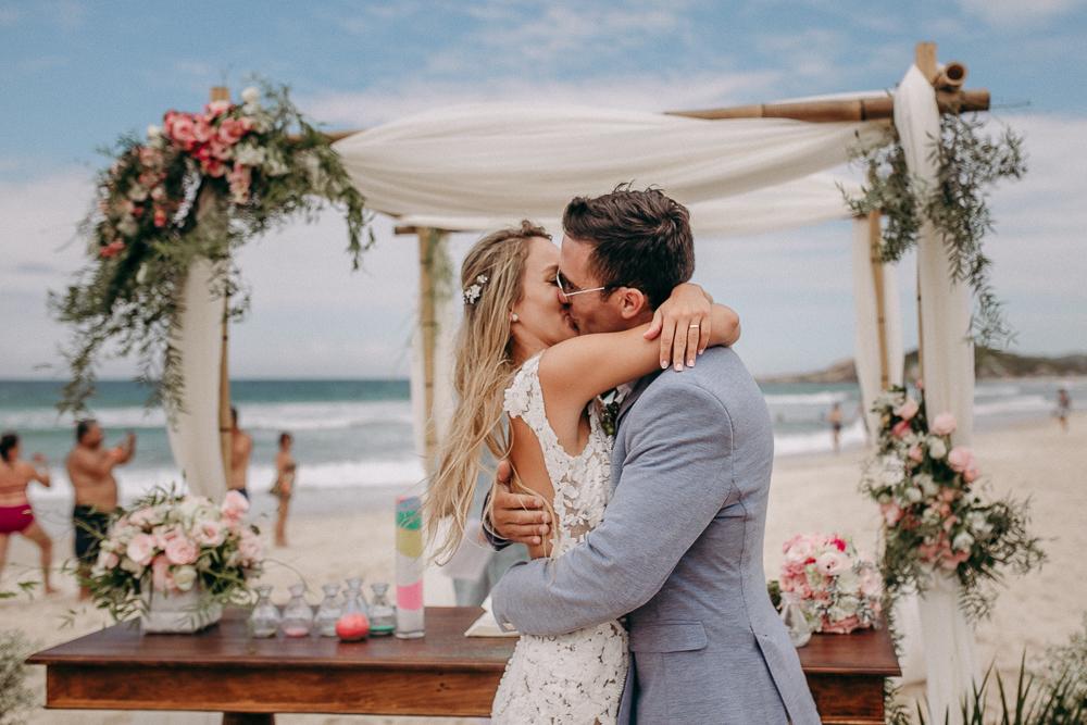 Imagem capa - Um casamento bem louco  por diego campos