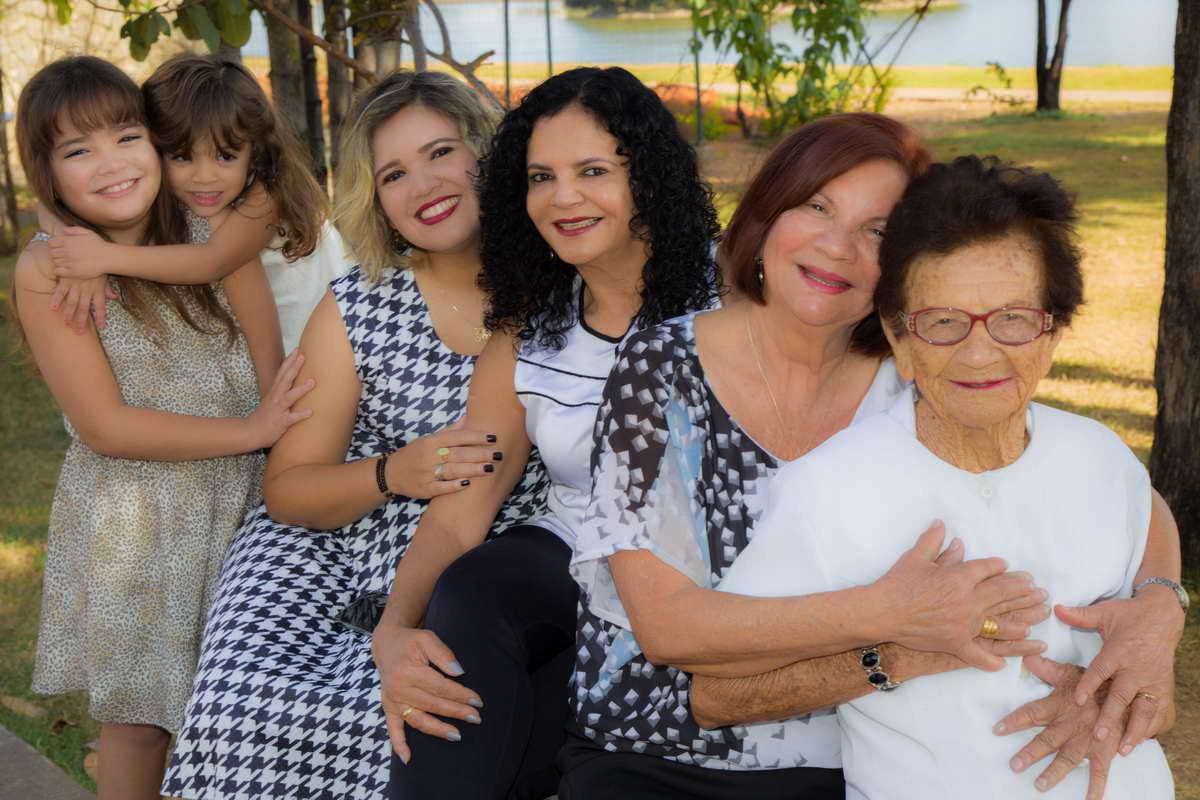 Imagem capa - Linda geração de mulheres por QUIN DRUMMOND