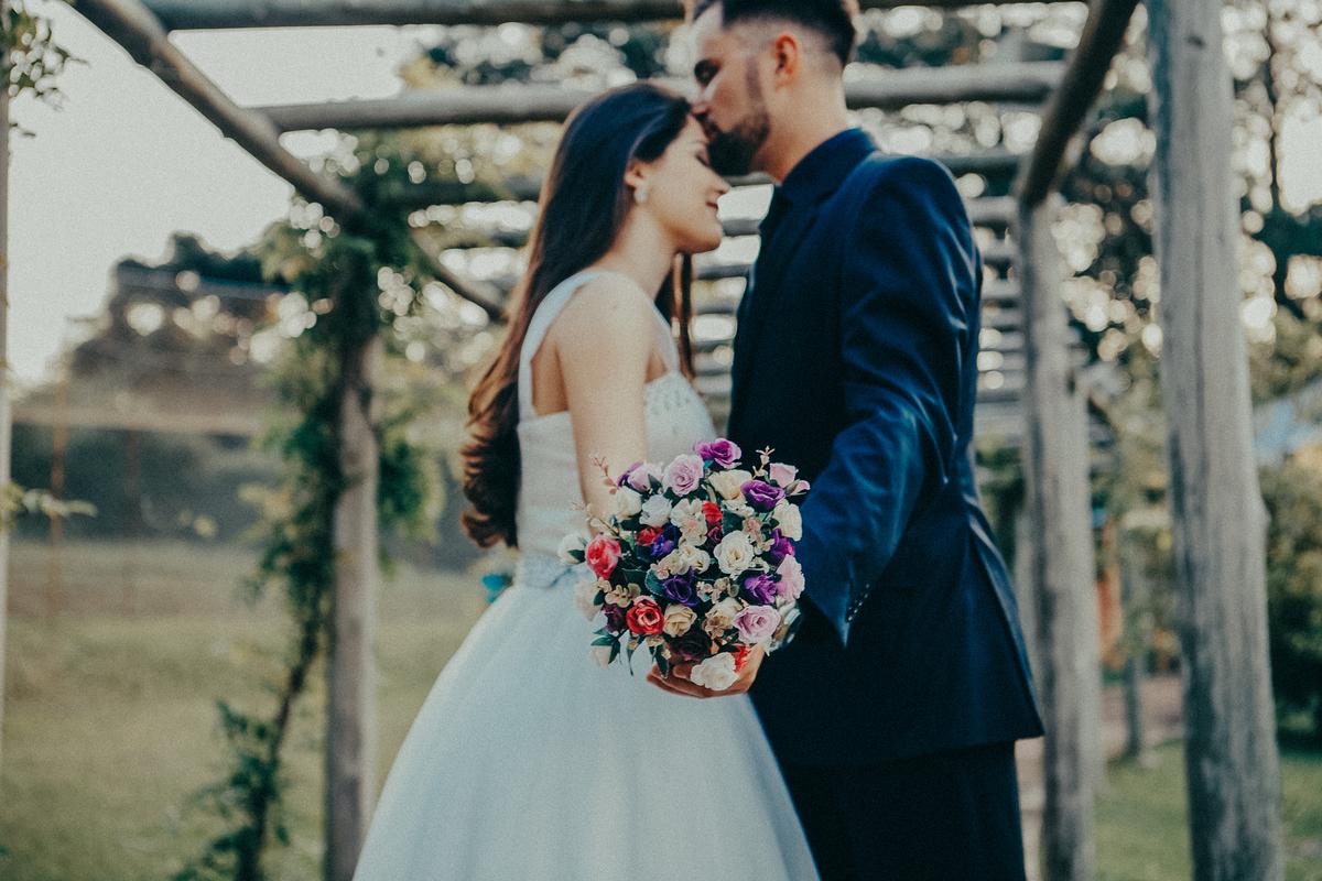 Imagem capa - 5 vantagens de casar ao ar livre durante o dia por Alcimar Coelho - Fotógrafo