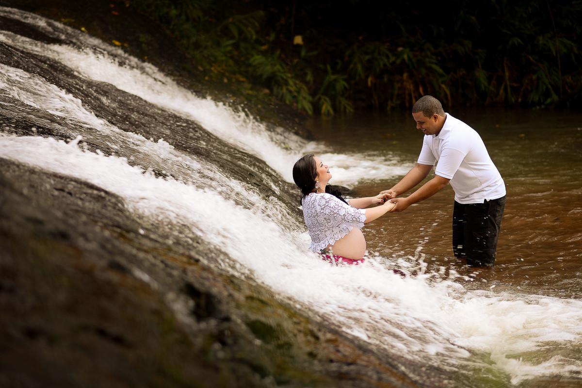neto oliveira fotografia ensaio gestante milana grein cachoeira queda dágua Araguari-MG