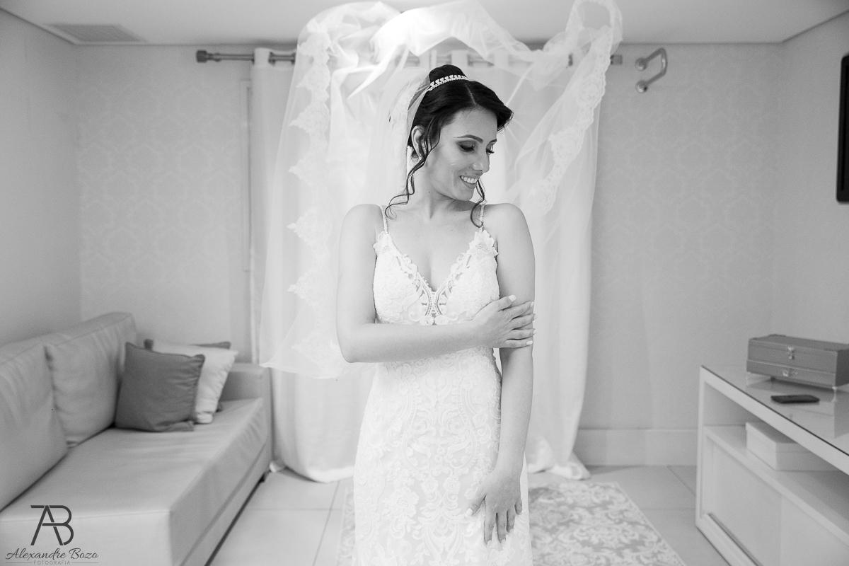 Imagem capa - Fonte zankyou -Vestido-De-Noiva-Perfeito-Para-Cada-Signo-Qual-e-o-Seu por Alexandre Bozo