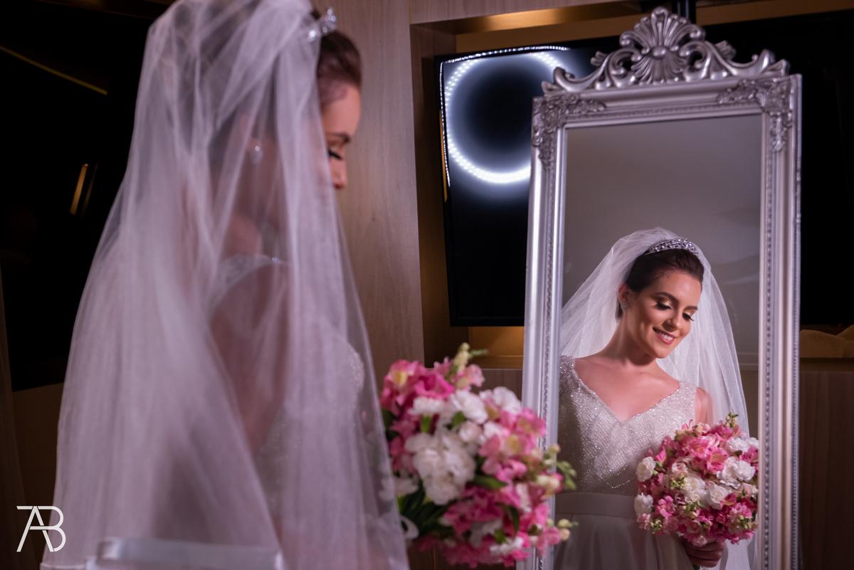 Imagem capa - Fonte - Icasei 5-dicas-look-pre-wedding/ por Alexandre Bozo