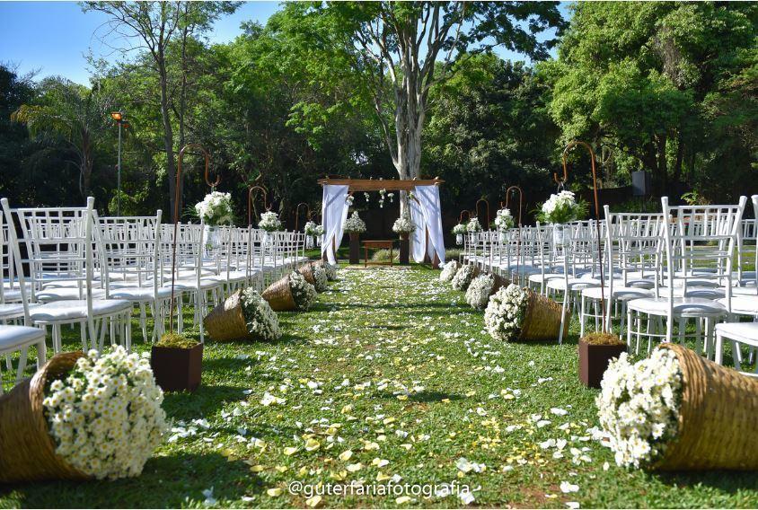 Imagem capa - Quer se casar no campo? Pensa em um casamento rústico? Atenção aos preparativos... por Guter  Faria