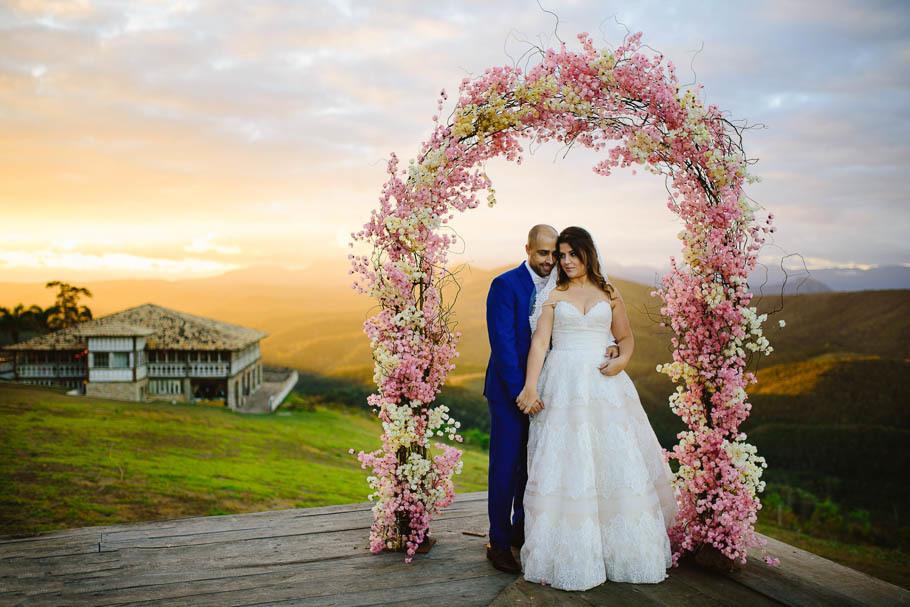 Imagem capa - Decoração Para Casamento Ao Ar Livre No Vila Relicário, Ouro Preto, MG por Vinicius Terror