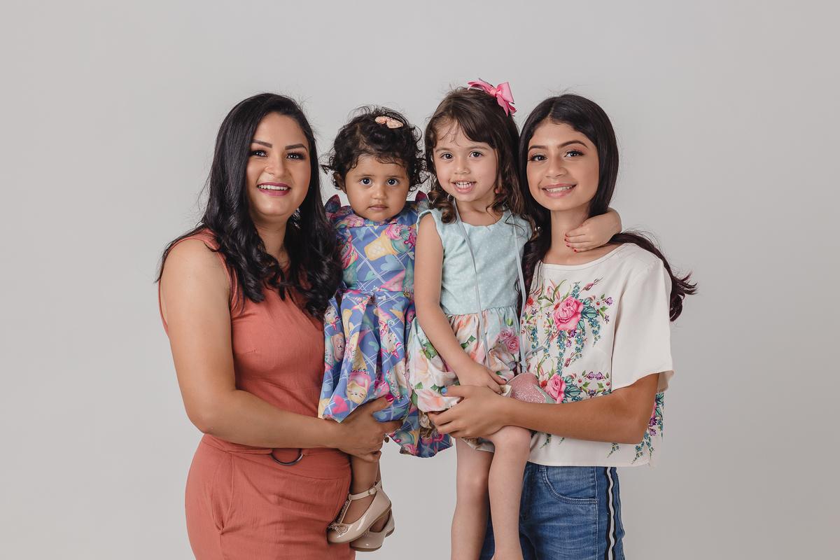 Retrato de estúdio com família.