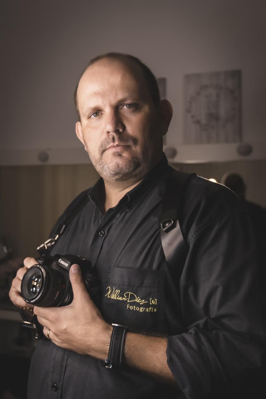 Sobre Willian Diez, Fotógrafo Publicitário, Eventos Sociais, Fotógrafo TRUST do Google, Ensaio Gestante, Ensaio Debutante, Casamentos.