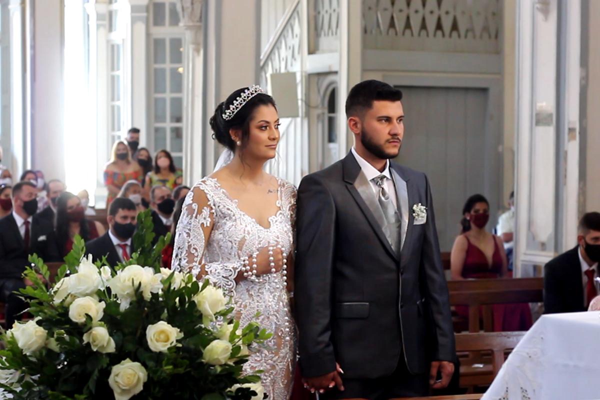Imagem capa - Trailer casamento Franciele e Reginaldo por João Luiz Junior - Art-Photo -  Fotógrafo de casamentos em ubá - minas gerais