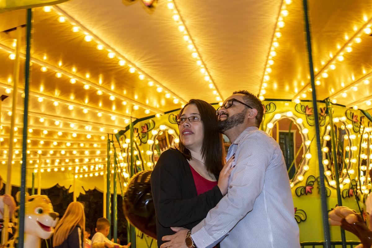 Imagem capa - Nossos 10 anos de Casados | No Parque da Mônica | Por Helena Perez dos Santos por SEVEN IF FOTOGRAFIA