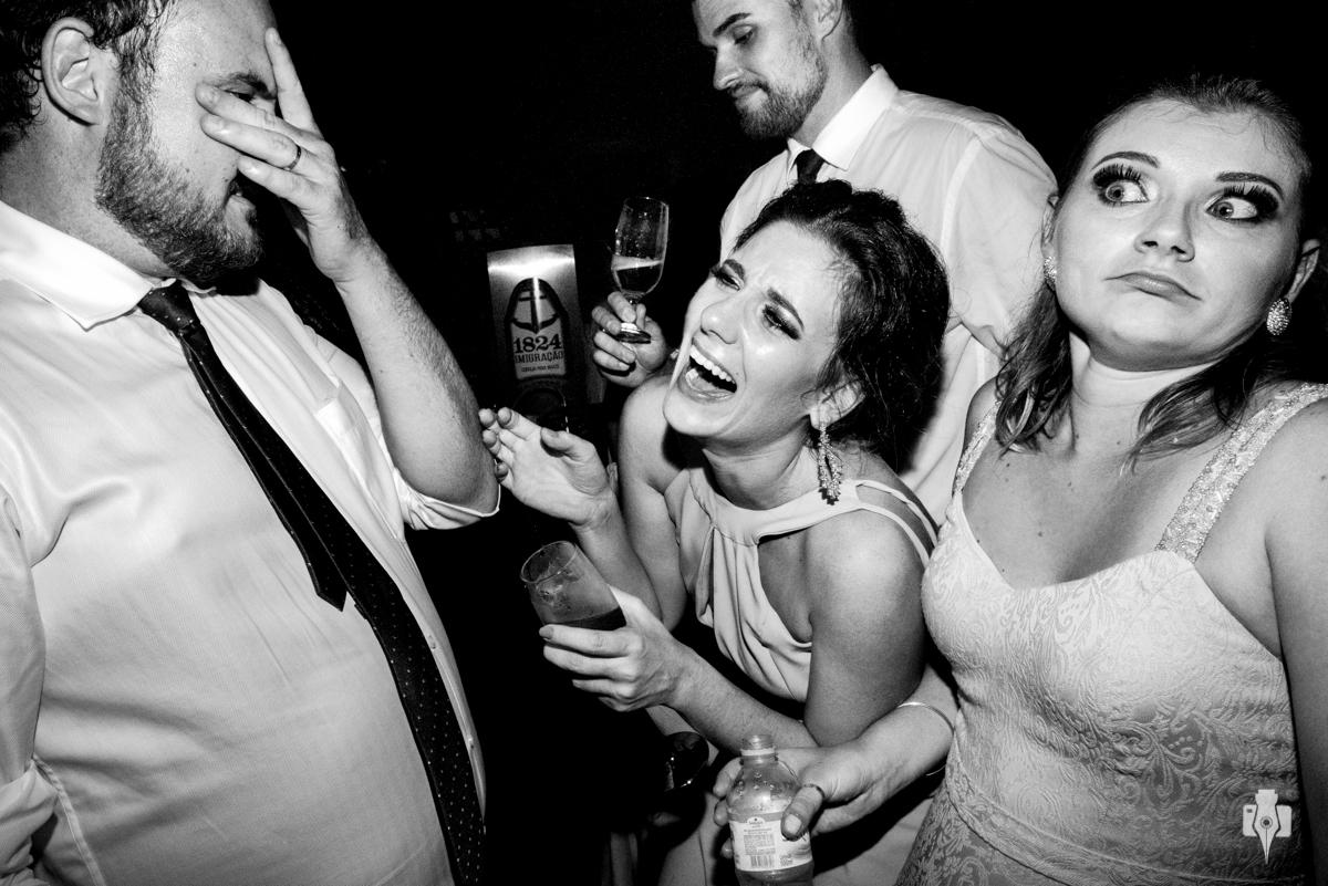 fotografias de festa cheias de expressoes